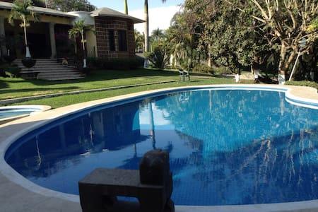 Casa de campo en renta,Cuernavaca - Maison