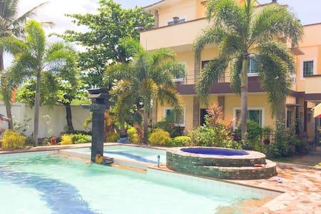 Private Resort House 30pax - Casa