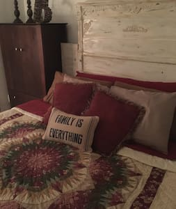 Full Bed in Southern Home (B) - Lilburn
