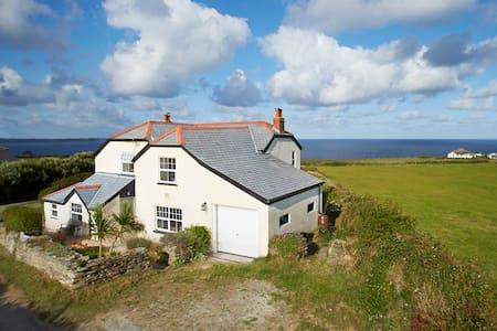 Merlin's Cottage, Cornwall - Casa