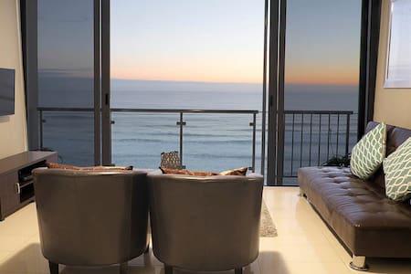 Beachfront Comfort (Bloubergstrand, Cape Town) - Appartement