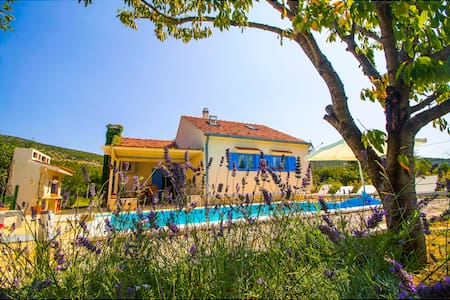 ROMANTIC VILLA WITH POOL !!!! - Krušvar