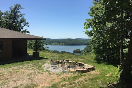 River Ridge Estate: 25 acre private gated retreat - House