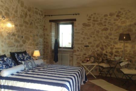 Stanze da sogno in country house - Castelnuovo parano - Hus