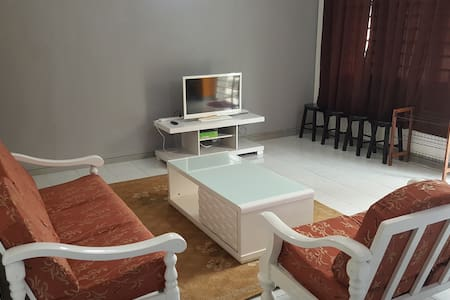 Anjung KLIA Apartment & Breakfast No One - Lakás