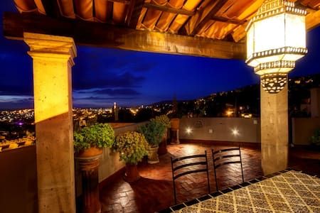 Fabulous Newly Renovated Casa - Rooftop Views! - San Miguel de Allende