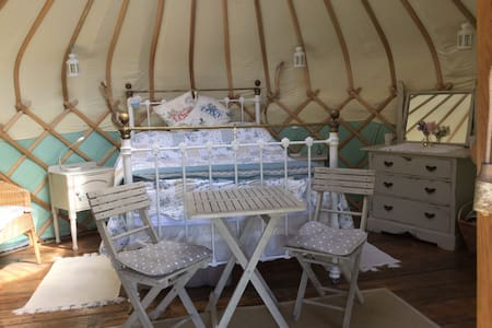 Cottage Garden Yurt - Biddenden