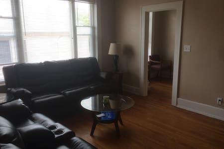 Amazing 1BD Room apartment - 아파트