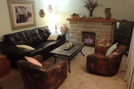 Sweet Furnished Single Family Home - Pittsburgh - Huis