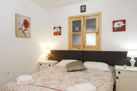 Rays Lodge The Center Room  - Naxxar - Bed & Breakfast