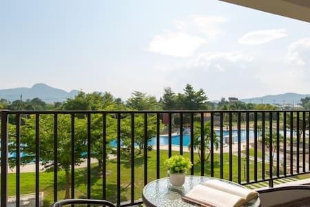 2 BDRM,Beautiful Garden & Pool View - Nong Kae - Huoneisto