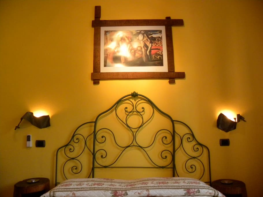 Salvador Dalì Bedroom