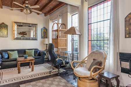 Charming artist's home in lovely and quiet area. - San Miguel de Allende - Haus