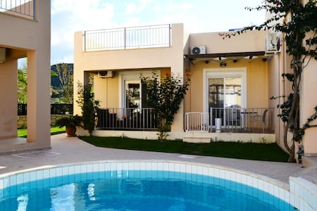 Villa 100mt from beach,pool 10% OFF EARLY BOOKING - Villa