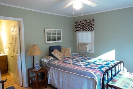 Quilt Cottage - Statesboro - Other