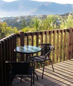 Sunny Bayview Studio - Canterbury NZ - Charteris Bay - Guesthouse