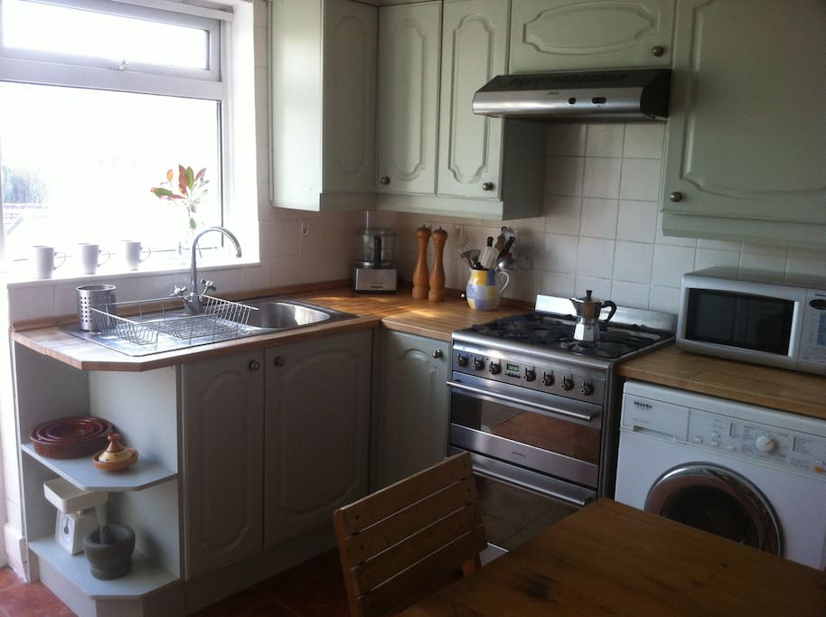 Bright and clean kitchen with all mod cons