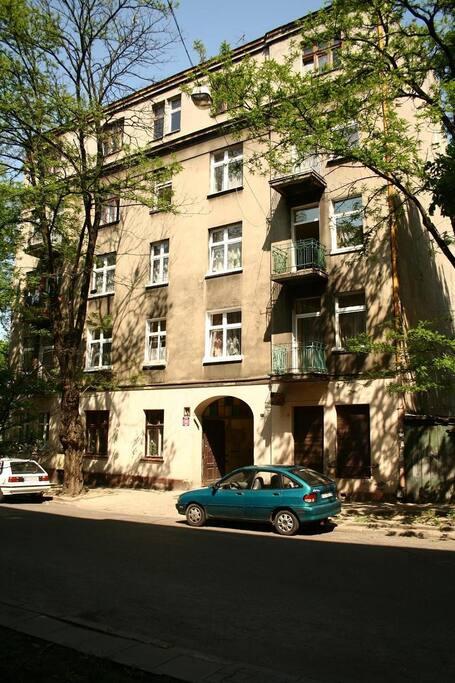 4beds- huge apartment MiedzianaSt