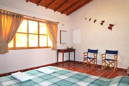 Ecoposada Viñedo/Habitación&Baño Pr - Bed & Breakfast