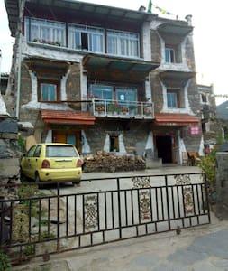 Xisuo Family Hostel, Barkam - Guesthouse