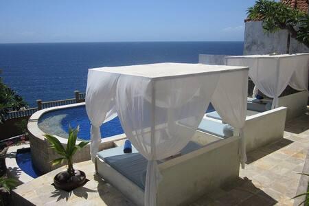 Stunning 180°Ocean view rooms &pool