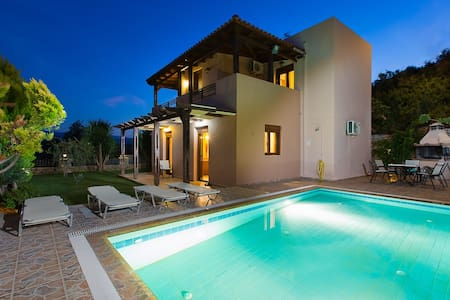 Roumeli villa with private pool !! - Villa