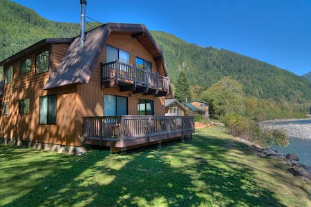INDEX RIVER ROOST - Riverfront with Amazing Views! - House