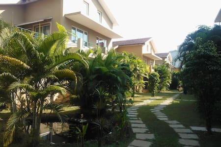 3 BEDROOM AIRCONDITIONED VILLA 700 MTRS FROM BEACH - Villa