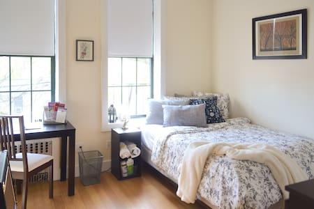 Cozy, spacious & convenient 1 BR :)