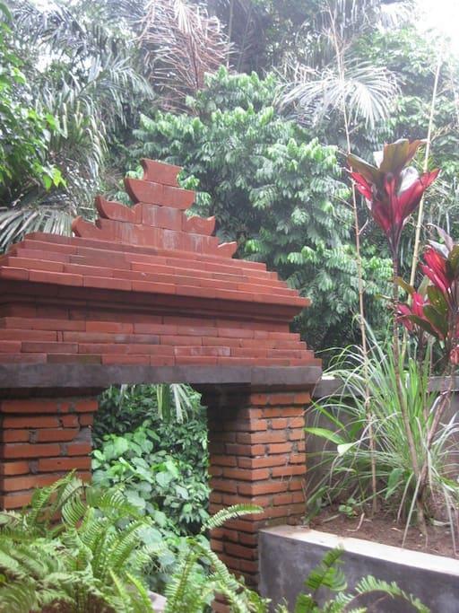 Balinese brickwork entry