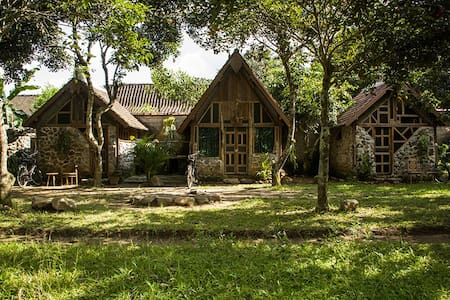 Single Room with Shared Toilet - Magelang - Bed & Breakfast