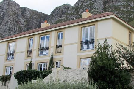 Bucaco Sud  Guest House , B & B - Betty's Bay - Bed & Breakfast