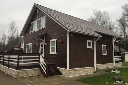 Дом у озера Гладышевское - Выборгский р-н - Dům
