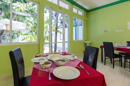 Feridhoo Inn (Guest House) - Feridhoo - Bed & Breakfast