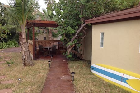 CASITA W/ pool and hot tub - Daire