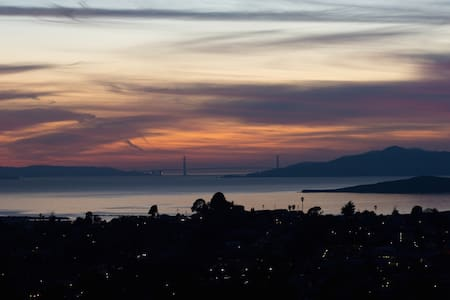 Serene Sunset Getaway - SF Bay View - Σπίτι