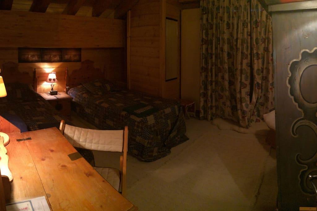 Toujours votre chambre, avec 2 nouveaux lits!
