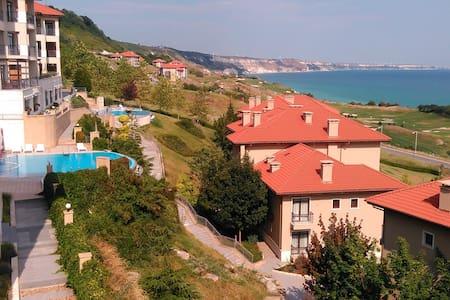 Thracian Cliffs hillside apartment