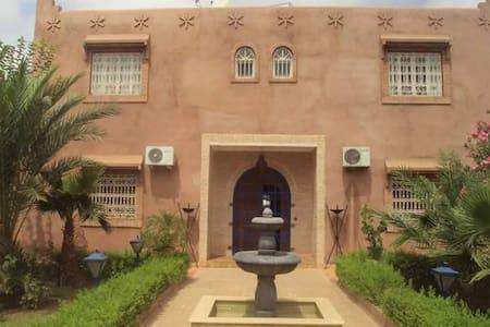 Villa de Charme route Fez - Marrakech