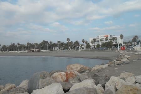estudio en primera linea de playa - Torre del Mar - Loteng