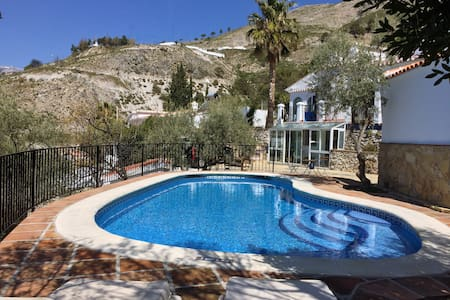 3 bedroom villa with private pool - Cómpeta - Talo