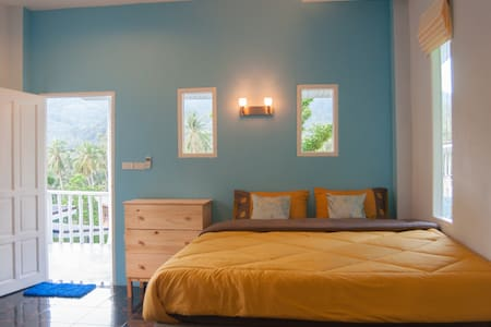 Blue House Mountain View 1 Bedroom - House