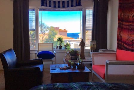 Beautiful single bedroom ON BEACH - Редондо-Бич - Квартира