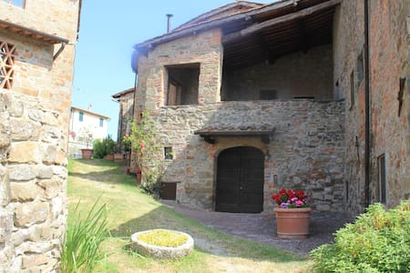 "Toscana Chianti  winery ""double bedroom"" nice view - Wohnung"