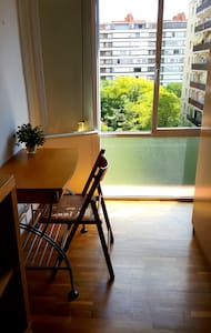 Nice bedroom, very well located - Apartment
