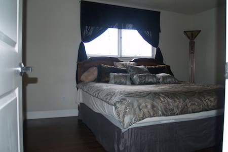 BrickRanch/Close to UNC/420friendly - Greeley - Casa