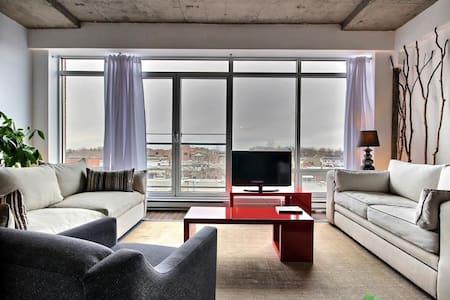 Penthouse lumineux et moderne - Montréal - Wohnung