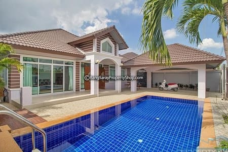 Bang Saray pool villa