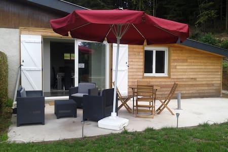 Confortable chalet rénové - Haus
