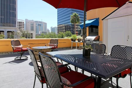 Awesome Rooftop Apartment with HUGE Patio + View - San Diego